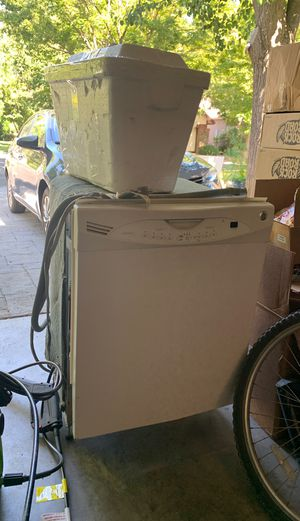 Dish washer for Sale in Clovis, CA
