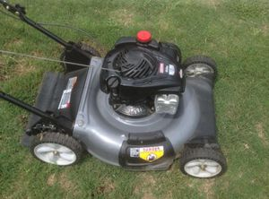 Craftsman lawn mower for Sale in St. Louis, MO