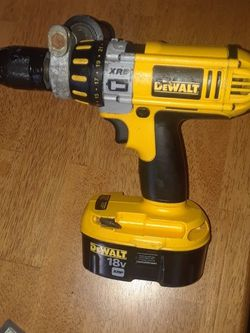 DeWalt 18 Volt DC D925 Xrp Hammer Drill With Good Battery for Sale in Kansas City,  MO