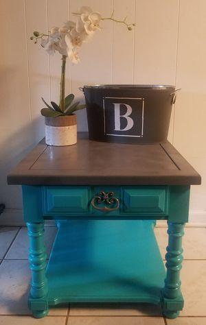 Beautiful side table for Sale in Buchanan, VA