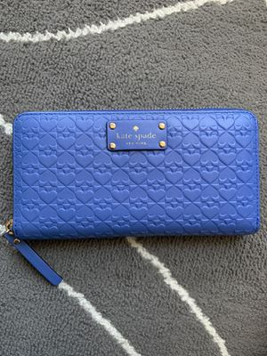 Kate Spade zip wallet for Sale in Bellevue, WA