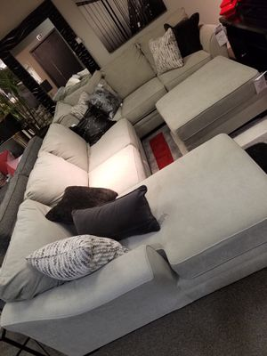 Palempor 3 piece sectional sofa( corner chaise, armless loveseat, sofa) plus matching ottoman for Sale in NO POTOMAC, MD