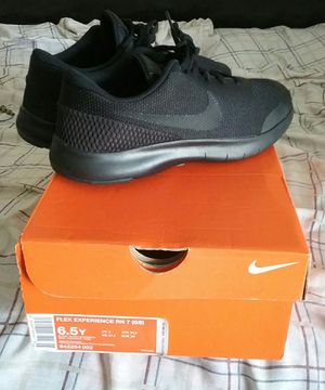 GIRLS size 6.5.....Nikes brand new ( Youth ) for Sale in Dallas, TX