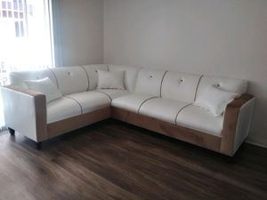 NEW 7X9FT WHITE LEATHER COMBO SECTIONAL COUCHES for Sale in Yucca Valley, CA