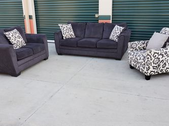 Three Piece Grey Couch Set Delivery Available for Sale in Norwalk,  CA