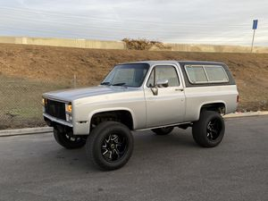 81 GMC K5 lifted on 20X12s for Sale in Downey, CA