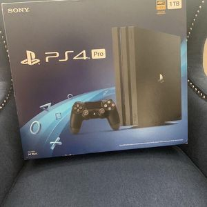 I'm Giving Out My PS4 For Free It Just 2 Weeks Old And Comes With 2 Pads for Sale in Brooklyn, NY