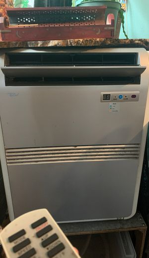 Portable AC unit /dehumidifier/fan for Sale in San Diego, CA