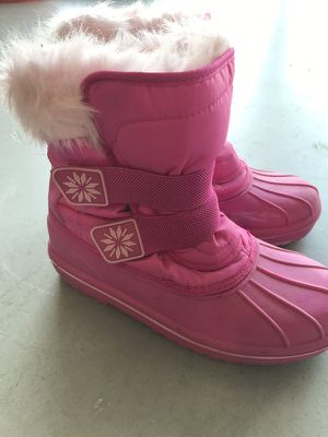 Snow boots for kid n# 4 for Sale in Lehigh Acres, FL