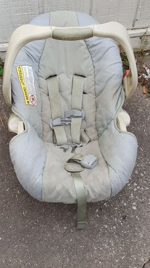 Infant car seat for Sale in Saginaw, MI