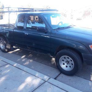 Toyota Tacoma $2300 for Sale in Dinuba, CA
