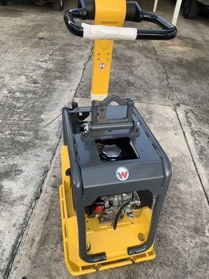 Wacker bpu3050 plate compactor for Sale in Miami, FL