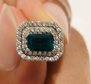 Emerald earrings for Sale in Elk Grove, CA