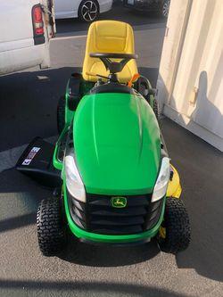 Tractor Jhon Dere Mod E-120 for Sale in Long Beach,  CA