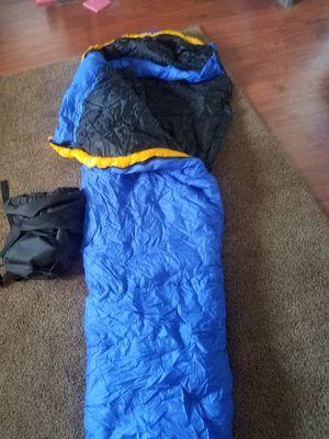 SLEEPING BAG (LIKE NEW) for Sale in Hesperia, CA