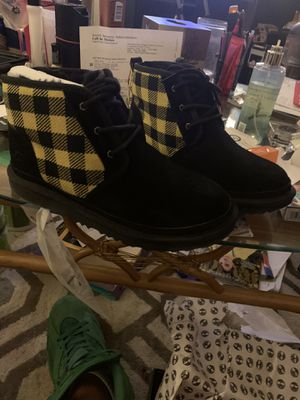 Size 6 uggs for Sale in Kirklyn, PA