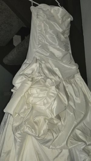 Ivory Wedding Dress for Sale in Hilliard, OH