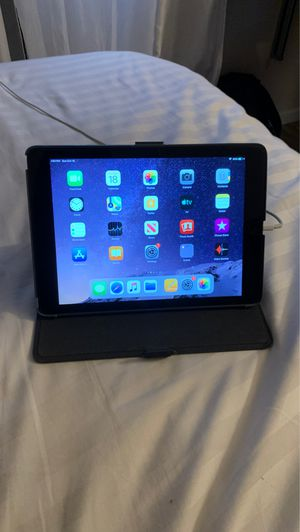 iPad Air for sale works perfect, excellent condition for Sale in Clovis, CA