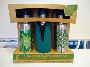 ReEco 26 oz 18/8 Stainless Steel Water Bottles Green Camping/ Backpacking/ Hiking/ Sports for Sale in Virginia Beach, VA