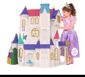 Sofia the first castle with accessories for Sale in Phoenix, AZ