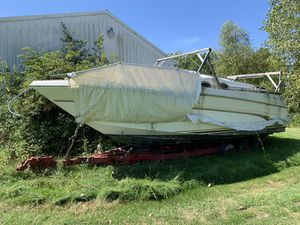 1998 Sea Ray Sundancer 290 project/parts w/ trailer for Sale in Strongsville, OH
