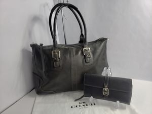 Authentic Coach Black Leather Hampton Satchel Handbag Shoulder Purse Tote With matching wallet PRICE FIRM 🚫 for Sale in San Antonio, TX