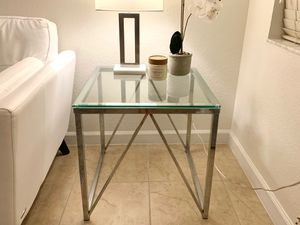 End table for Sale in Hialeah, FL