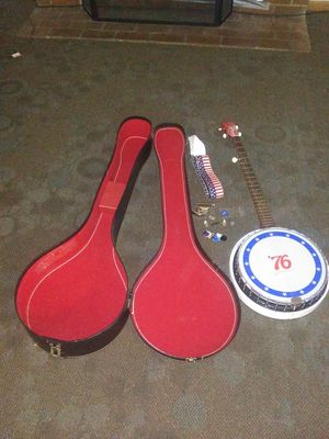 1970s banjo with extra stuff in case plays great for Sale in Lake Stevens, WA