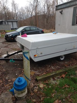 Coleman by Fleetwood pop-up camper $2500 obo for Sale in Flatwoods, KY