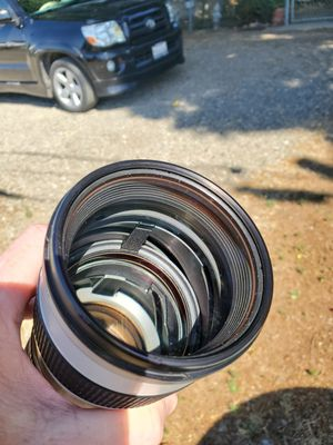Canon LENS IS 2.8 L 70 200mm EF for Sale in Stockton, CA