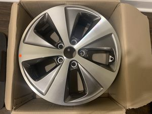 """""""16"""" inch wheel part # 52910-4R250 for Sale in Lake in the Hills, IL"""