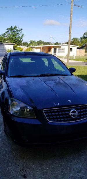 2005 Nissan Altima 2.5 for Sale in Tampa, FL