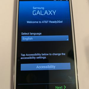 White Samsung Galaxy S4 16gb AT&T for Sale in Virginia Beach, VA