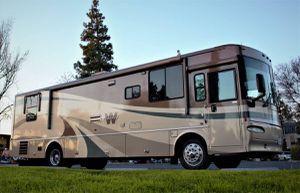2005 Winnebago 36' RV / Motorhome 350 HP diesel pusher / for Sale in Los Angeles, CA