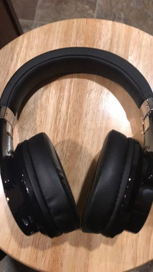 Headphones- Bluetooth wireless- New for Sale in Aurora, OH