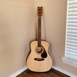 YAMAHA Acoustic Guitar for Sale in Lubbock, TX