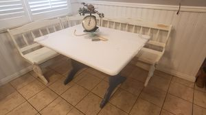 Beautiful farmhouse kitchen table and benches for Sale in Rancho Cucamonga, CA