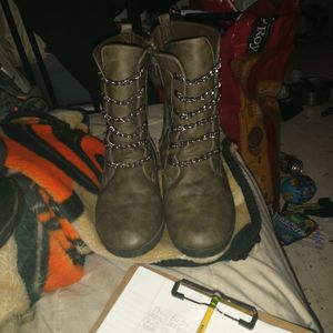 Boots Size 9 for Sale in Oklahoma City, OK