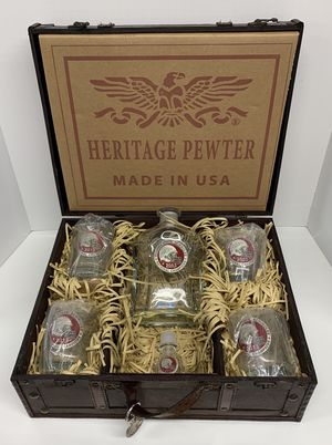 FSU Florida State University Decanter Set Whiskey Bottle and Glasses for Sale in Lutz, FL