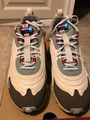 Travis scott air max's 270 size 9.5 for Sale in Willoughby, OH