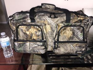 Realtree Camping/Hunting Duffle Bag for Sale in Orlando, FL