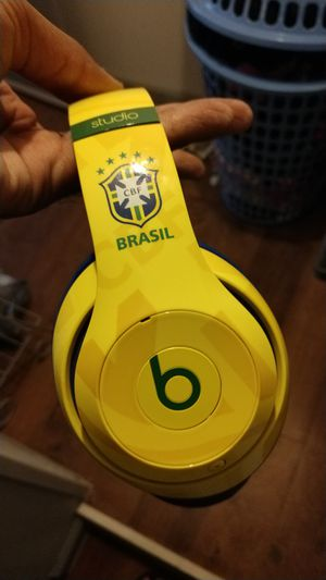 Beats studio 2.0 limited edition Brasil for Sale in Kirklyn, PA