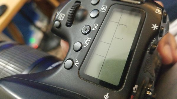 Canon 70D Needs Shutter Repair, Comes With Charger, Bag and Battery Grip