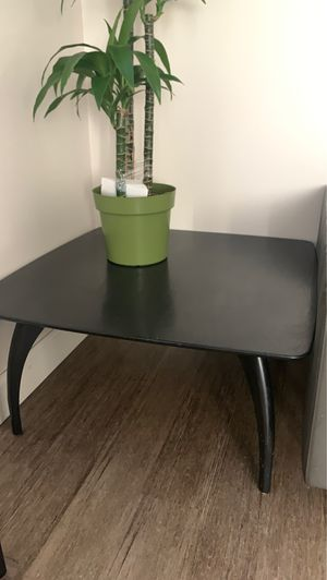 Coffee table for Sale in Fountain Valley, CA