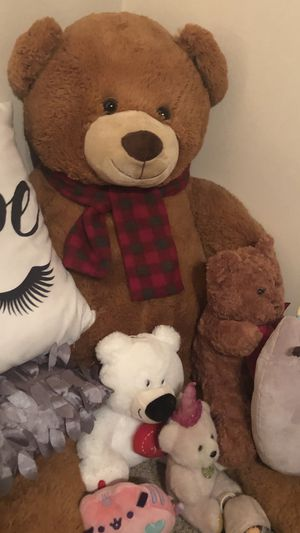 Large teddy bear for Sale in St. Louis, MO