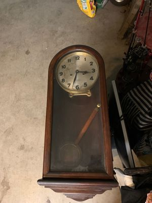 Working antique clock for Sale in Tracy, CA