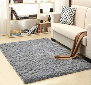 Fluffy living room rug for Sale in Orlando, FL