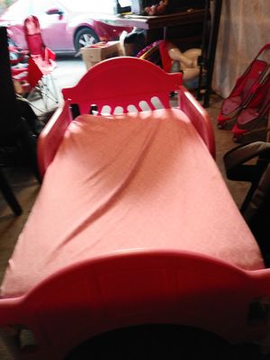 Toddler bed for sale, solid pink comes with mattresse and a moana bed for Sale in Allen, TX