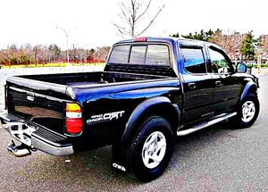 ֆ14OO 4WD Toyota Tacoma 4WD for Sale in Bloomington, IL