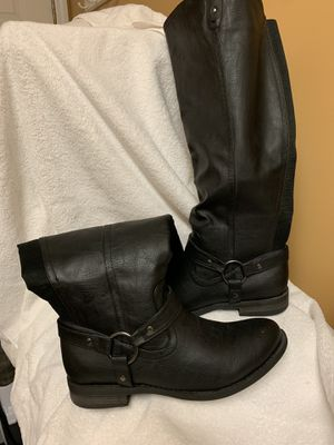 Women's knee high boots for Sale in St. Louis, MO